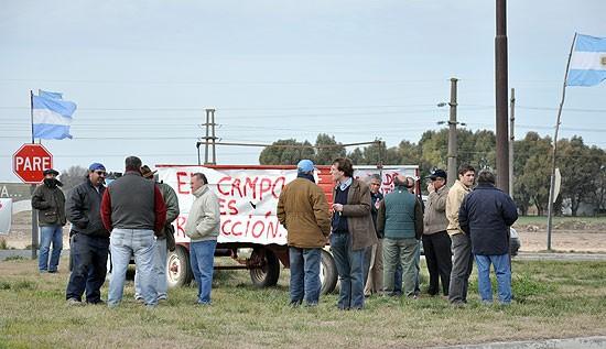 Se realizó una asamblea de ruralistas en ruta 226 y 51