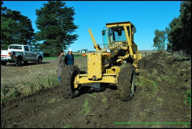 El Gobierno Municipal inició los trabajos en caminos de la Producción