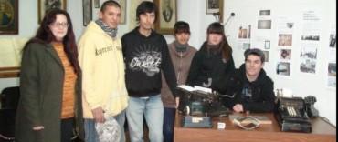 Alumnos de la Escuela Secundaria Nº 13 de Villa Aurora visitaron el Archivo Histórico Municipal