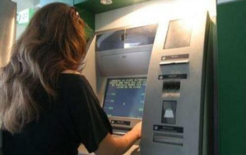 Con el fin del paro  de Camioneros  los bancos garantizan el abastecimiento