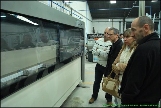 El Intendente Eseverri recorrió la empresa local Alu –ONE: un nuevo producto olavarriense que se exportará