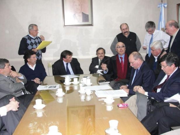 Alvear: el intendente Cellillo en una reunión plenaria del radicalismo provincial