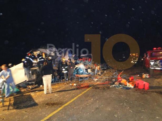 Dos muertos y un herido en grave accidente en la zona de Urdampilleta