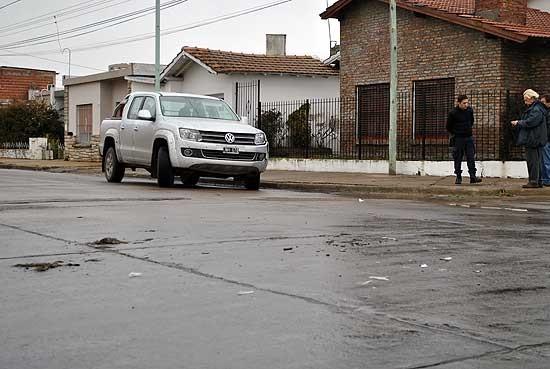 Las autoridades policiales estudian la situación de un efectivo