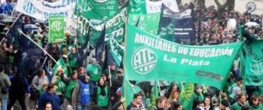 Estatales bonaerenses vuelven a parar contra el pago del aguinaldo en cuotas