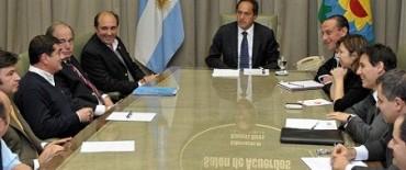 """Los corre por """"izquierda"""": en una nueva Reforma Impositiva Scioli va contra los"""