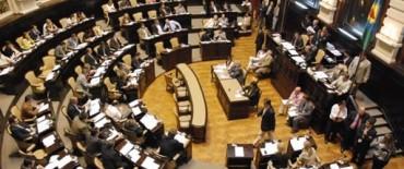 Ante la falta a respuesta a los reclamos de los estatales, los senadores resolvieron no sesionar este jueves