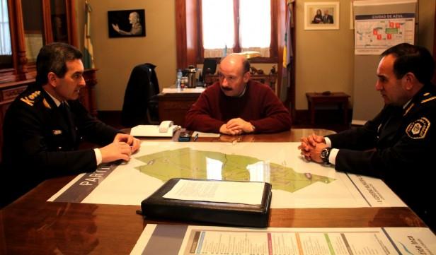 Azul: visita del nuevo jefe de la Departamental