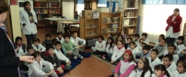 Charla informativa sobre medio ambiente en la Escuela N° 49
