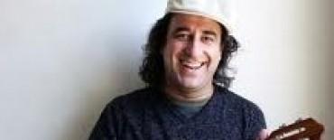 El músico argentino Mintcho Garrammone en el cierre del Encuentro de Teatro