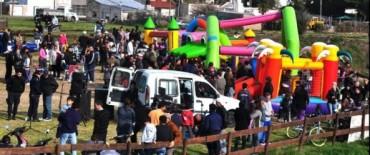 Gran cantidad de público acompañó los festejos por el Día del Niño en Hinojo y Sierra Chica