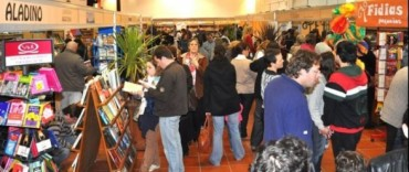 """""""Libros en Olavarría"""" :ya la visitaron más de 1500 personas"""