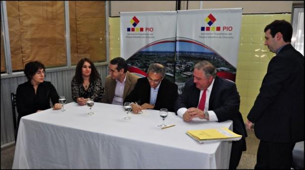 El Intendente Eseverri donó un edificio a la Asociación de Propietarios del PIO para uso común de los empresarios