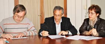 El Intendente Eseverri encabezó la entrega de un préstamo a productores apícolas