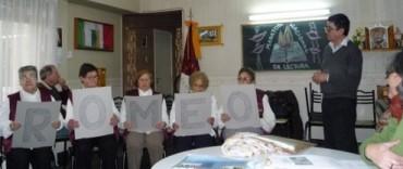 La 10ª Maratón Nacional de Lectura pasó por el Rinconcito de Romeo y el Hospital de Hinojo