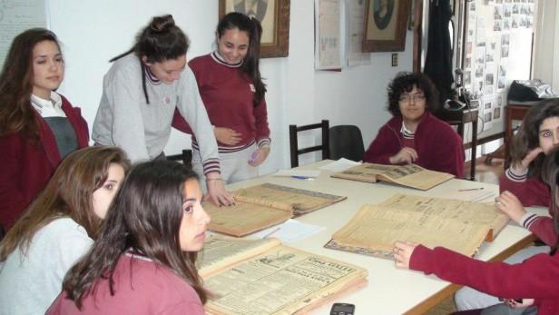 Alumnos del Colegio Rosario visitaron el Archivo