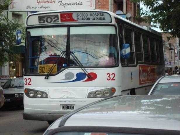 Transporte Público: Eseverri promulgó la nueva tarifa y vetó el control del HCD