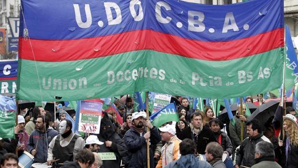 Docentes de UDOCBA exigen nuevas paritarias