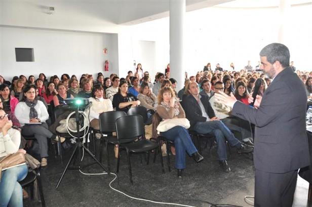 Segunda conferencia del Lic. Fernando Osorio sobre Niñez y Adolescencia