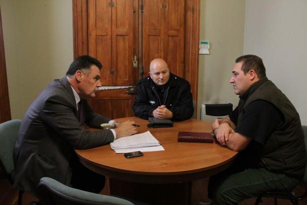 Azul: Bolpe se reunió con autoridades policiales