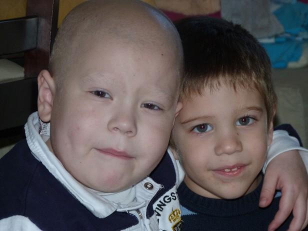 Faustino Cascallares recibió un trasplante de médula ósea y se recupera.