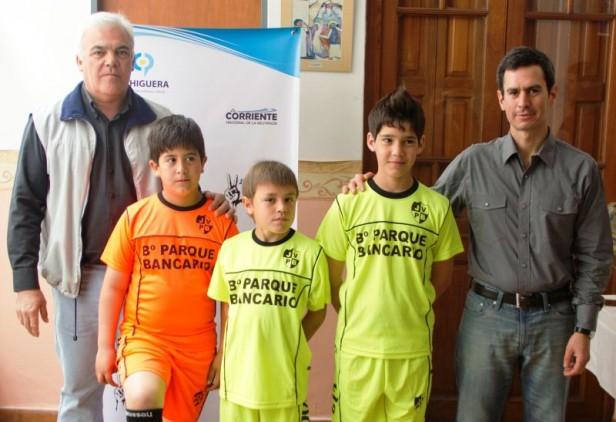 La Junta Vecinal del Barrio Bancario recibió un aporte económico de José González Hueso