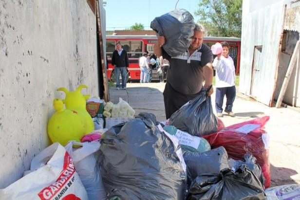 Azul: el municipio recibió una nueva donación para los inundados