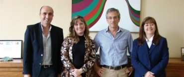 El Gobierno Municipal entregó becas a estudiantes participantes de Olimpíadas Académicas