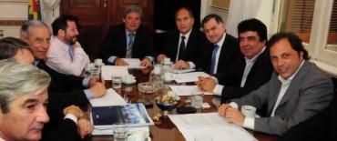 Diputados se reunieron con intendentes   para avanzar con el presupuesto provincial 2013