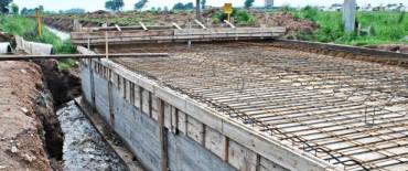 Continúan los trabajos de mejoramiento del cauce del arroyo Tapalqué aguas abajo