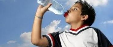 Ola de calor: guardias ya registran casos de deshidratacion y fiebre en los niños