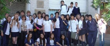 Estudiantes del Colegio Santa Teresa de Colonia Hinojo visitaron el Archivo