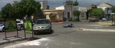 Choque auto moto.