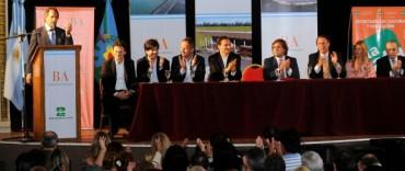 """Scioli señala a La Plata como """"la gran revelación del desarrollo industrial"""""""