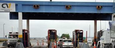 Intenso movimiento vehicular en rutas hacia centros turísticos de todo el país