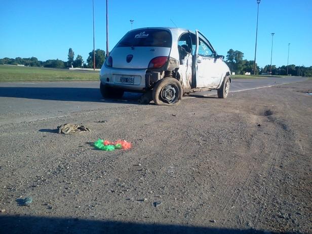Accidente en Avenida Emiliozzi y 226