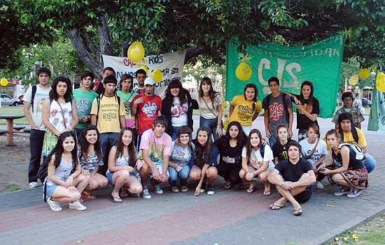 Callejeros: jóvenes olavarrienses se movilizaron por la detención de Fontanet