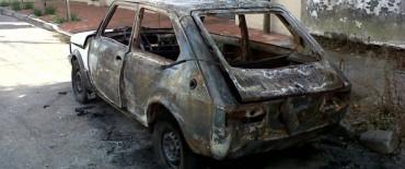 Se quemó un automóvil en Pueblo Nuevo