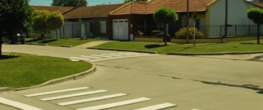 Siguen los trabajos de demarcación de sendas peatonales en jardines de infantes