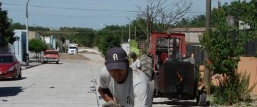 Avanzan las obras de pavimentación en Sierras Bayas y la construcción de la rotonda de acceso a la localidad