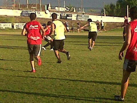 Entretenido empate en dos goles entre Estudiantes y Ferro