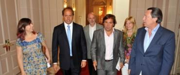 Scioli reunió a parte de su Gabinete en la primera actividad de 2013