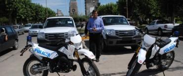 Bolívar: Eduardo Bucca gestionó y entregó dos móviles a la Policía local