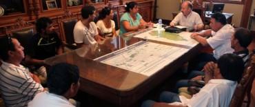 Azul: Inza recibió a los trabajadores recientemente despedidos de EFASA