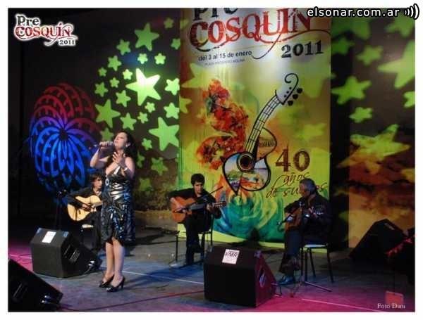 Azul: la música de Nina y Adrián Rebolino en el centro de la ciudad