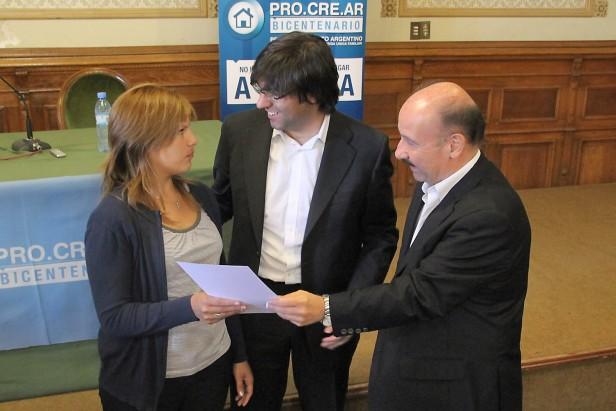 Azul: Inza firmó un convenio con ANSES para incrementar en Azul el acceso al crédito para la vivienda propia