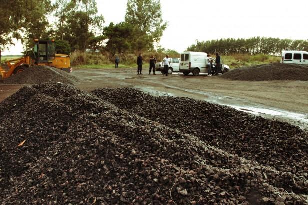 Azul:clausuran un depósito ilegal de piedra  a las afueras de la ciudad