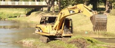 Azul: se removieron sedimentos acumulados en la zona de Costanera