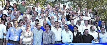 Intendentes y legisladores kirchneristas en encuentro en La Matanza