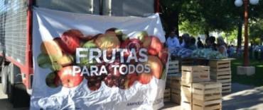 """El camión de """"Frutas para todos"""" nuevamente en Olavarría"""